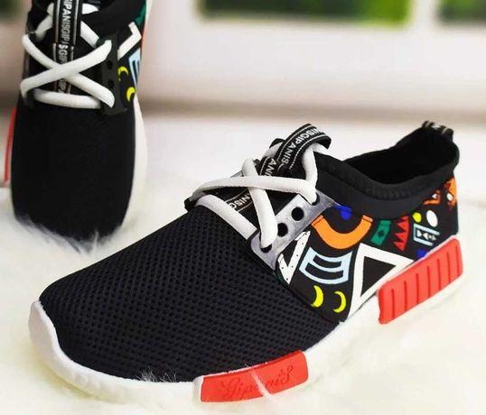 Кроссовки для подростков. Стильные, яркие, удобные. Приятная цена.