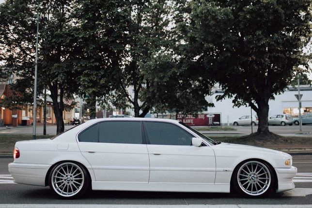 Auto do ślubu, BMW 7 Long 4,4 V8 aktywny wydech WOLNE 2021 Łódzkie