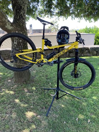 Commencal meta am v4.2 + stand e capacetes