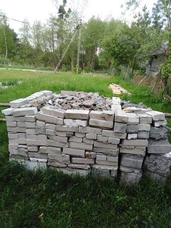Oddam gruz, cegły, pozostałości z rozbiórki domu