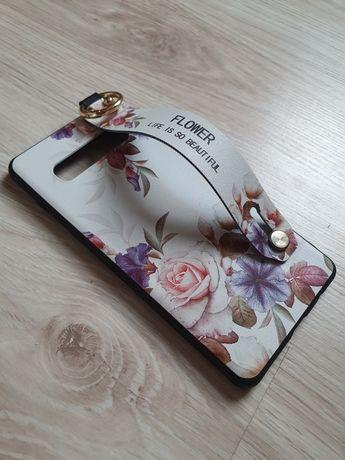 Etui Samsung Galaxy S10+ w kwiaty z paskiem