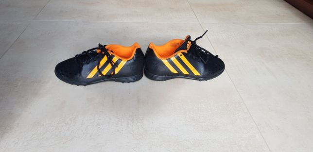 Adidas buty do gry w piłkę roz. 31.5