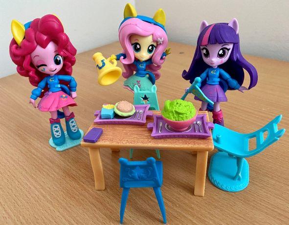 My Little Pony Equestria Girls Fluttershy kawiarnia stołówka szkoła
