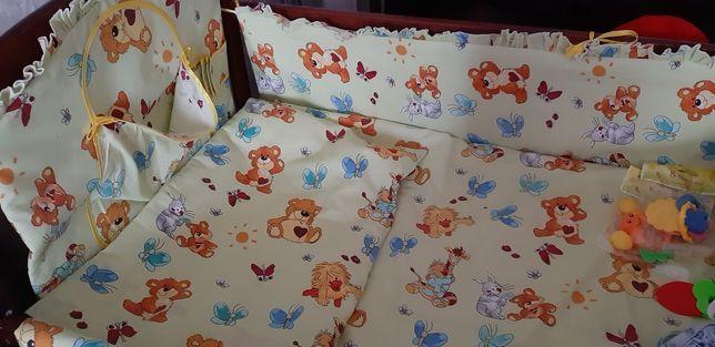 Продам набор детского белья в кроватку, +бортики + балдахин