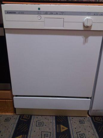 Máquina de lavar loiça Ariston