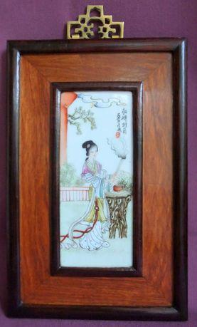 Панно - картина Девушка жрица. Рисунок на фарфоре.  Япония ХІХ век.