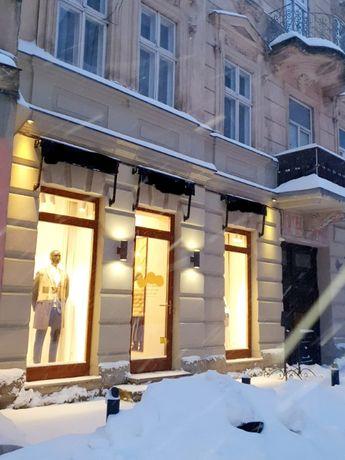 Оренда магазину по вул. Фурманській, площ 46м, фасадний вхід, 2 вітрин