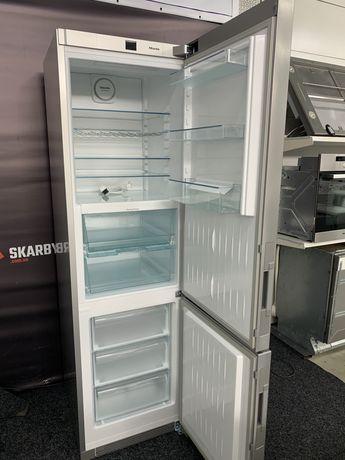 Холодильник-морозильник KFN 29233
