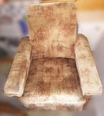 Fotel duży wygodny idealny do karmienia