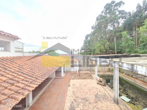 Moradia Isolada T5 com piscina, na Venda do Pinheiro-Mafra