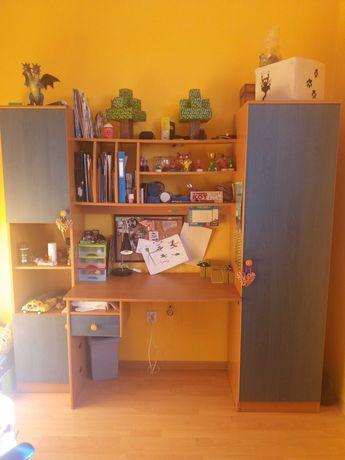 Meble dziecięce - biurko z szafkami