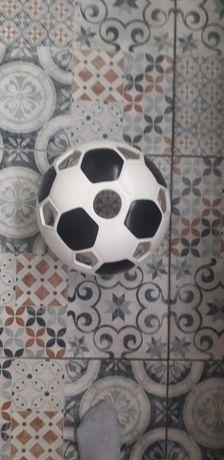 Żyrandol piłka czarno biały
