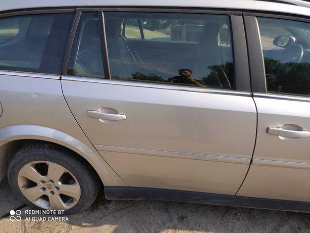 Opel Vectra C drzwi prawy tył