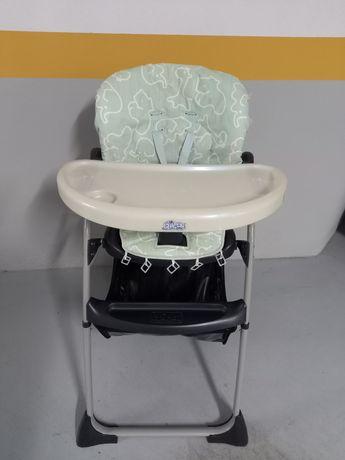 Cadeira de Alimentação Chico com costas rebatíveis