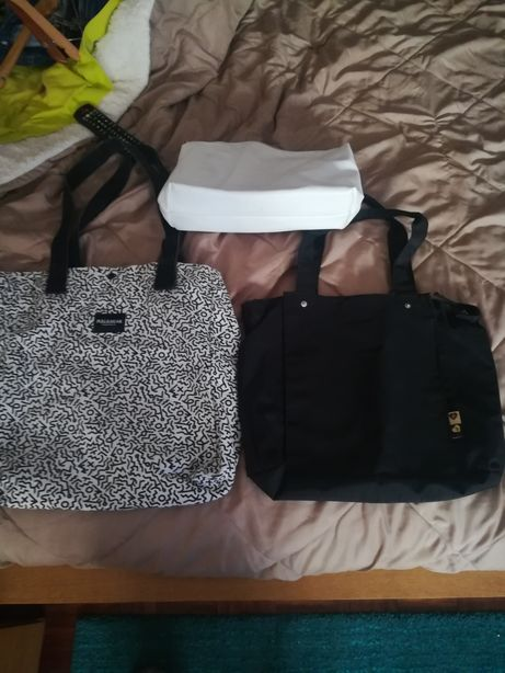 2 sacos +necessaire Parfois