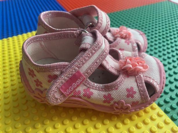 Viggami kapcie półbuty buciki pantofelki sandałki roz 21