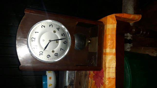 Relógio de parede marca reguladora