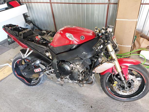 Sprzedam Yamaha R1 rn09 po lekkim szlifie pilne