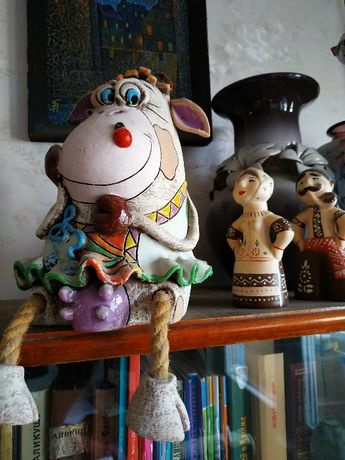керамическая статуэтка коровы