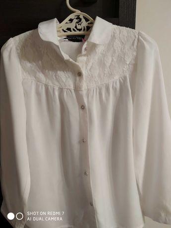 Elegancka biała koszula z długim rękawem i koronką 122 Reserved