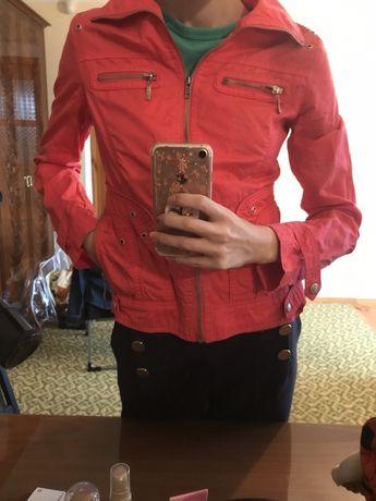 Куртка цвета фуксия