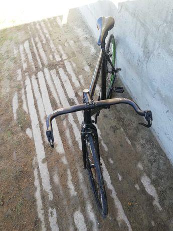 Велосипед в хорошем состояние