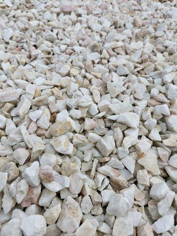 Grys ogrodowy, biała Marianna. Gat. 1. Kamień ogrodowy