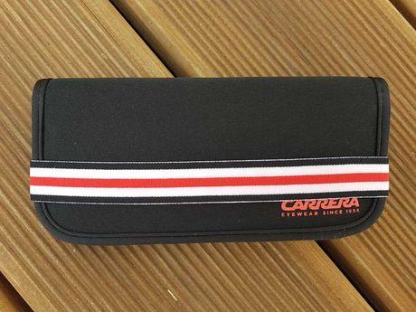 Bolsa para óculos Carrera e cartões bancários