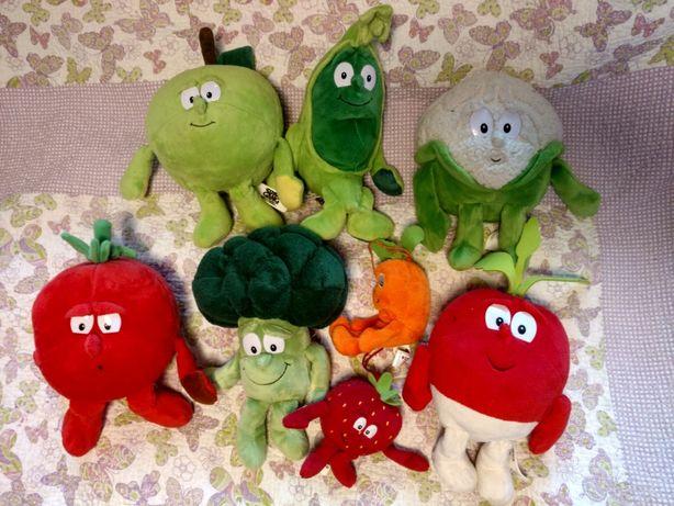 Gang swieżaków warzywa biedronka maskotki przytulanki