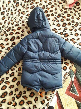 Зимова куртка на хлопчика 3-4 роки