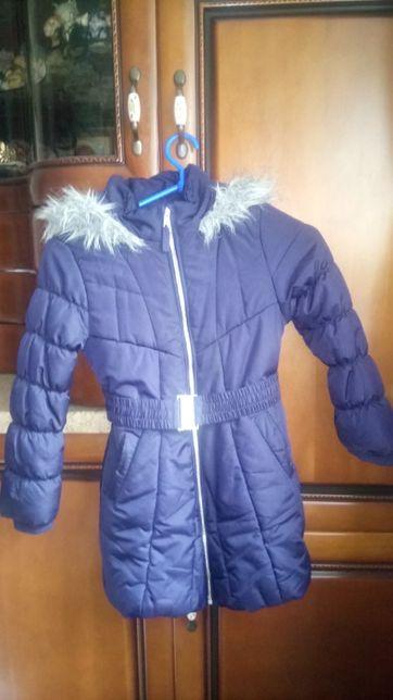 Зимняя теплая курточка для девочки. Возраст 5-7 лет.