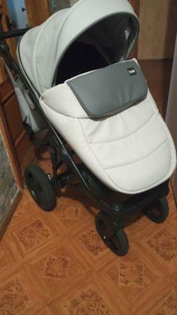 Продам детскую коляску 2в1.