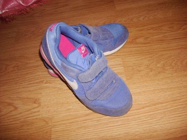 Продаются фирменные детские кроссовки NIKE