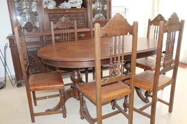 Cristaleira, mesa e 6 cadeiras