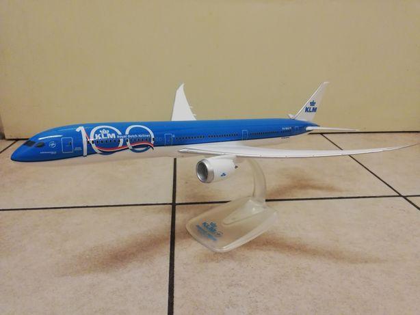 Model samolotu Boeing B787-10 KLM