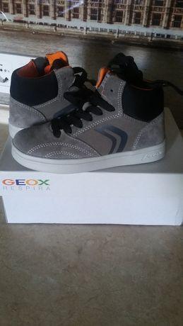 Новые кожаные ботинки, кроссовки, сникерсы Geox, 18,5см
