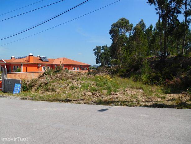 Lote de terreno, para construção, com 497m2 em Azabucho/ Pousos / Leir