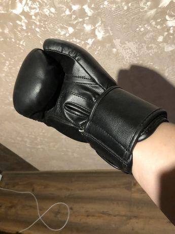 Rękawice bokserskie 10oz nowe