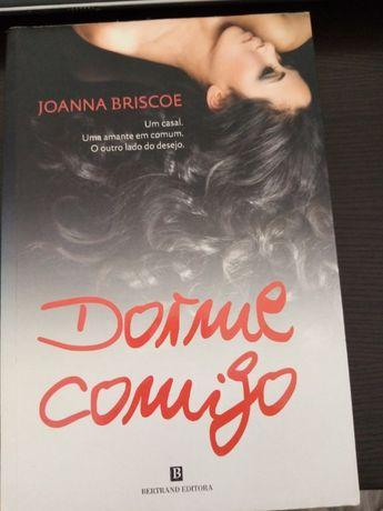 """""""Dorme Comigo"""" - Joanna Briscoe"""