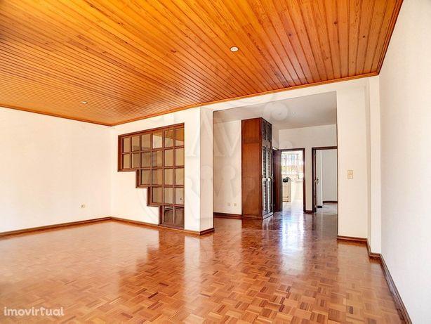 Comprar apartamento T3 com terraço _ Marinha Grande