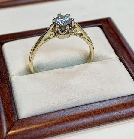 Pierścionek złoty z diamentem 0,5 ct