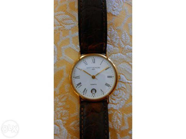 Relógio Saint Honore banhado ouro 18