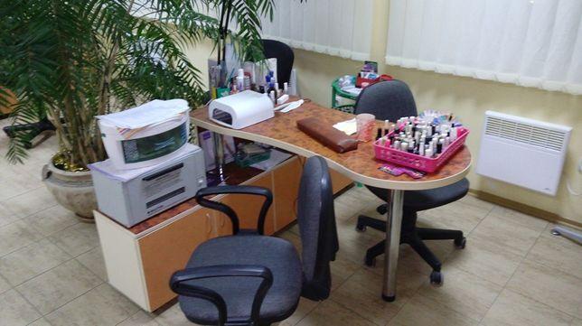 Рабочее место мастера маникюра