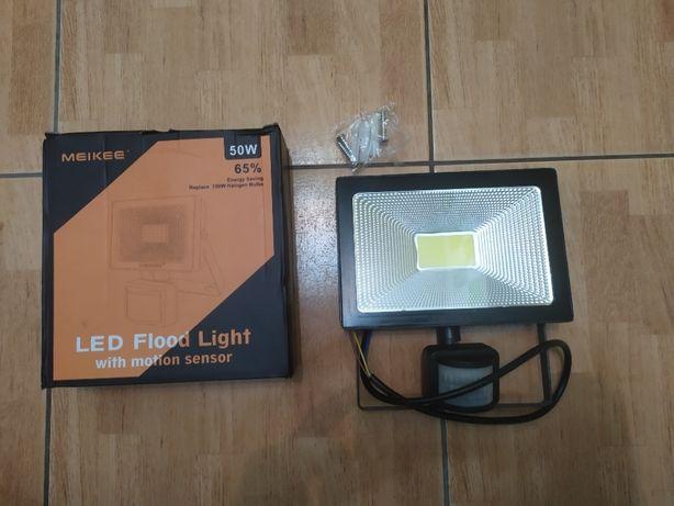 Светодиодный прожектор MEIKEE 50W с датчиком движения