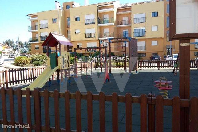 Apartamento T2+1 localizado em Esgueira