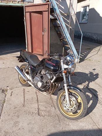 Honda cb 400 super four