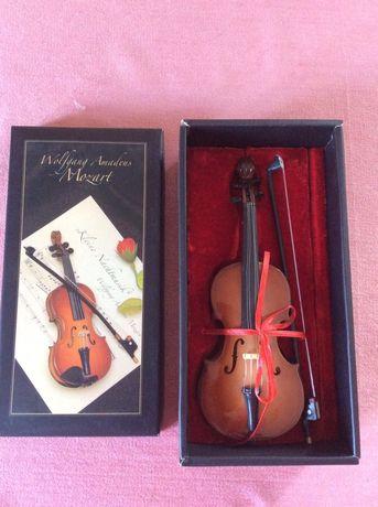 Подарочная декоративная скрипка в коробке