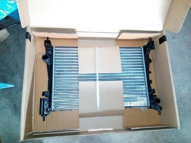 Радиатор основной радиатор охлаждения Фиат Пунто Fiat Punto 1.4