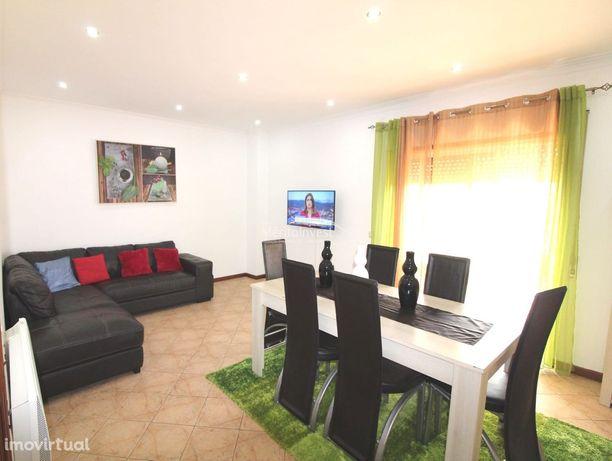 Excelente apartamento T3+1 na freguesia de Ribeirão - V.N.Famalicão.