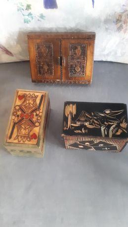drewniana PRL szkatułka na karty